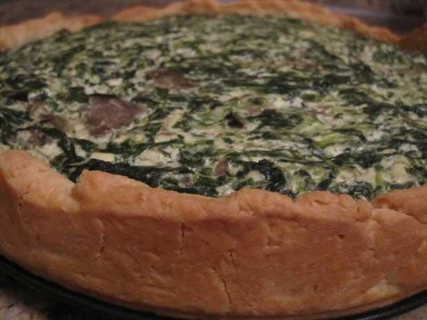 вкуснейший пирог (киш) со шпинатом, сыром и грибами