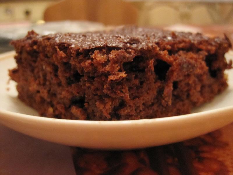 Шоколадно-банановый пирог без яиц (брауни)