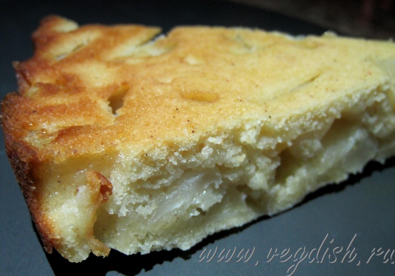 Пирог с яблоками и грушами с творогом