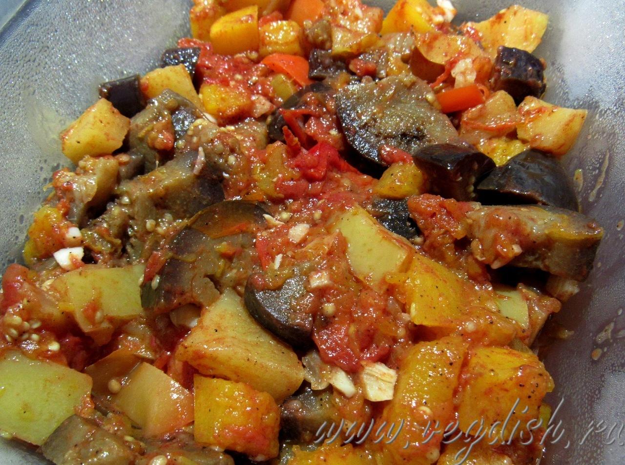Овощное рагу с тыквой и баклажанами