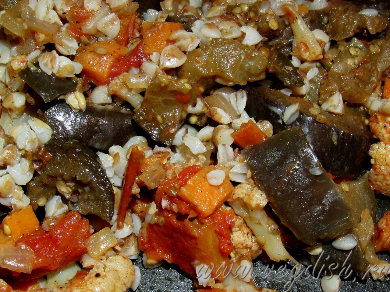 Тушеные баклажаны с цветной капустой