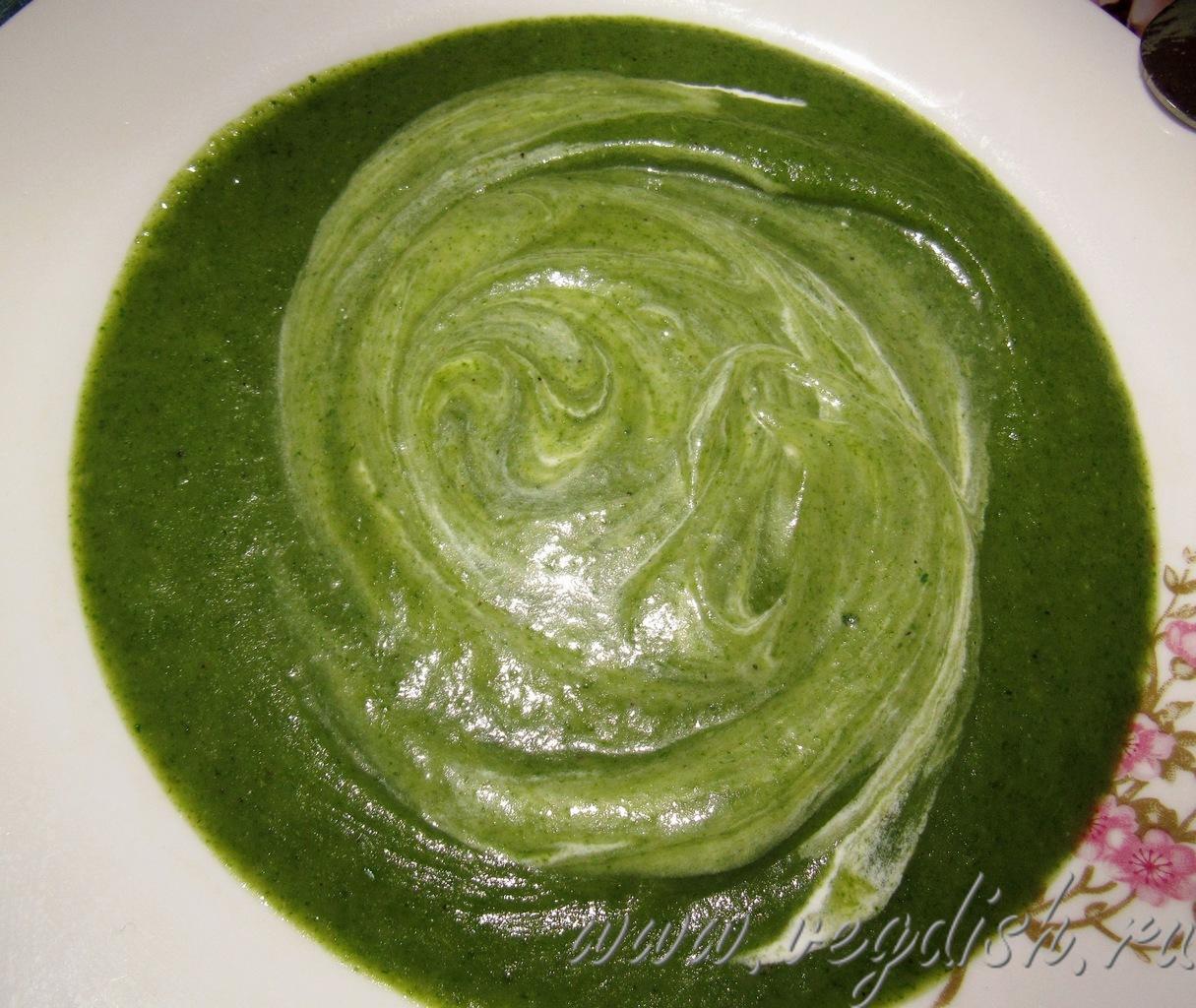 Суп пюре со щавелем и шпинатом