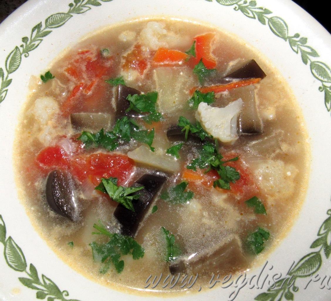 Суп с пшеном и баклажанами