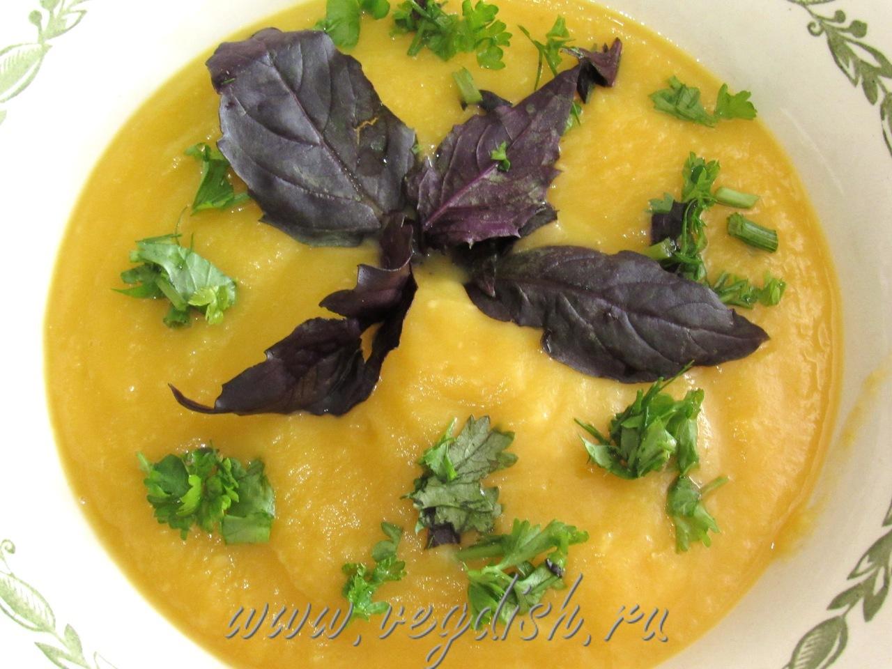 Суп пюре с кольраби и сельдереем