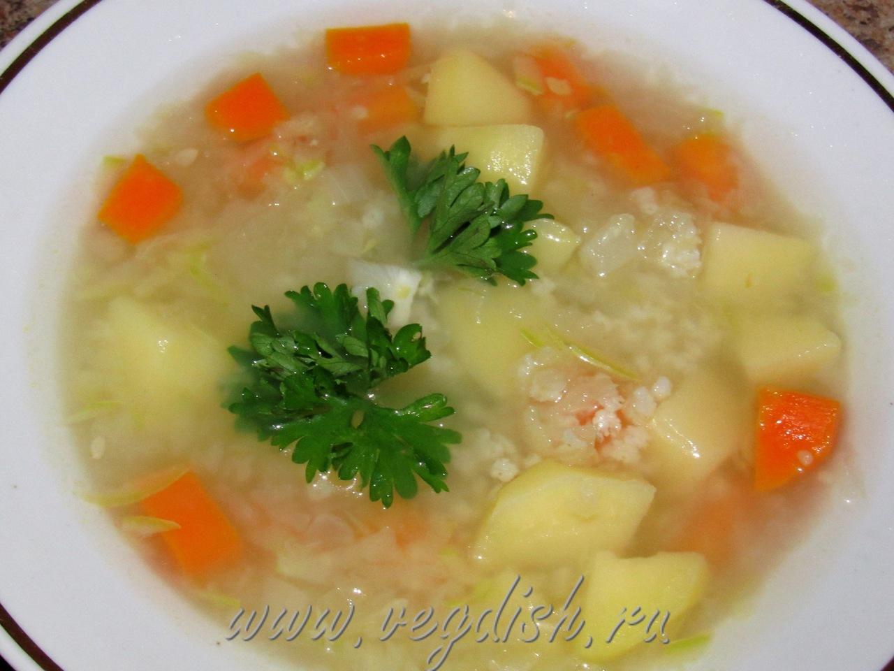Суп с кольраби и кабачком
