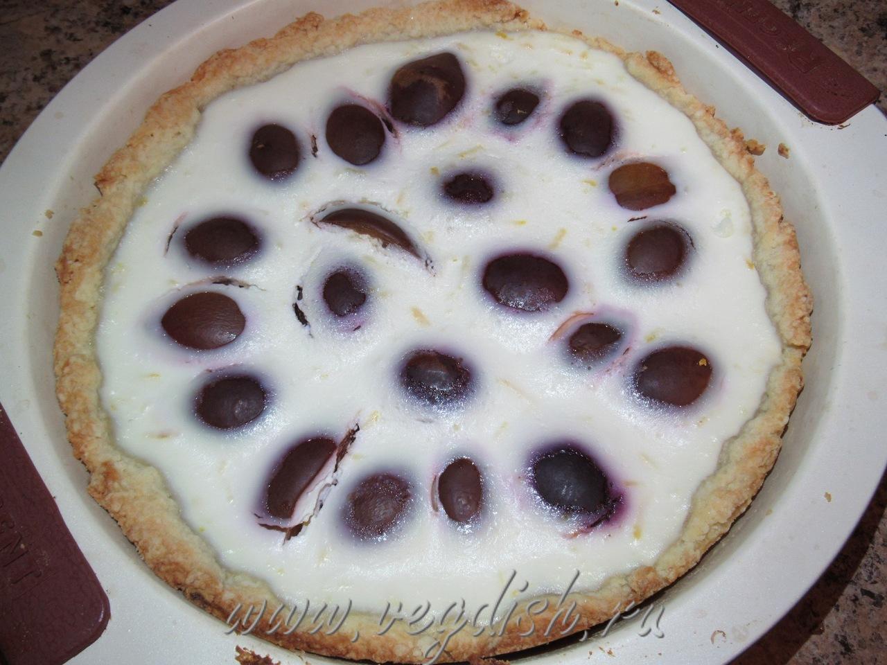 Пирог со сливой и рикоттой
