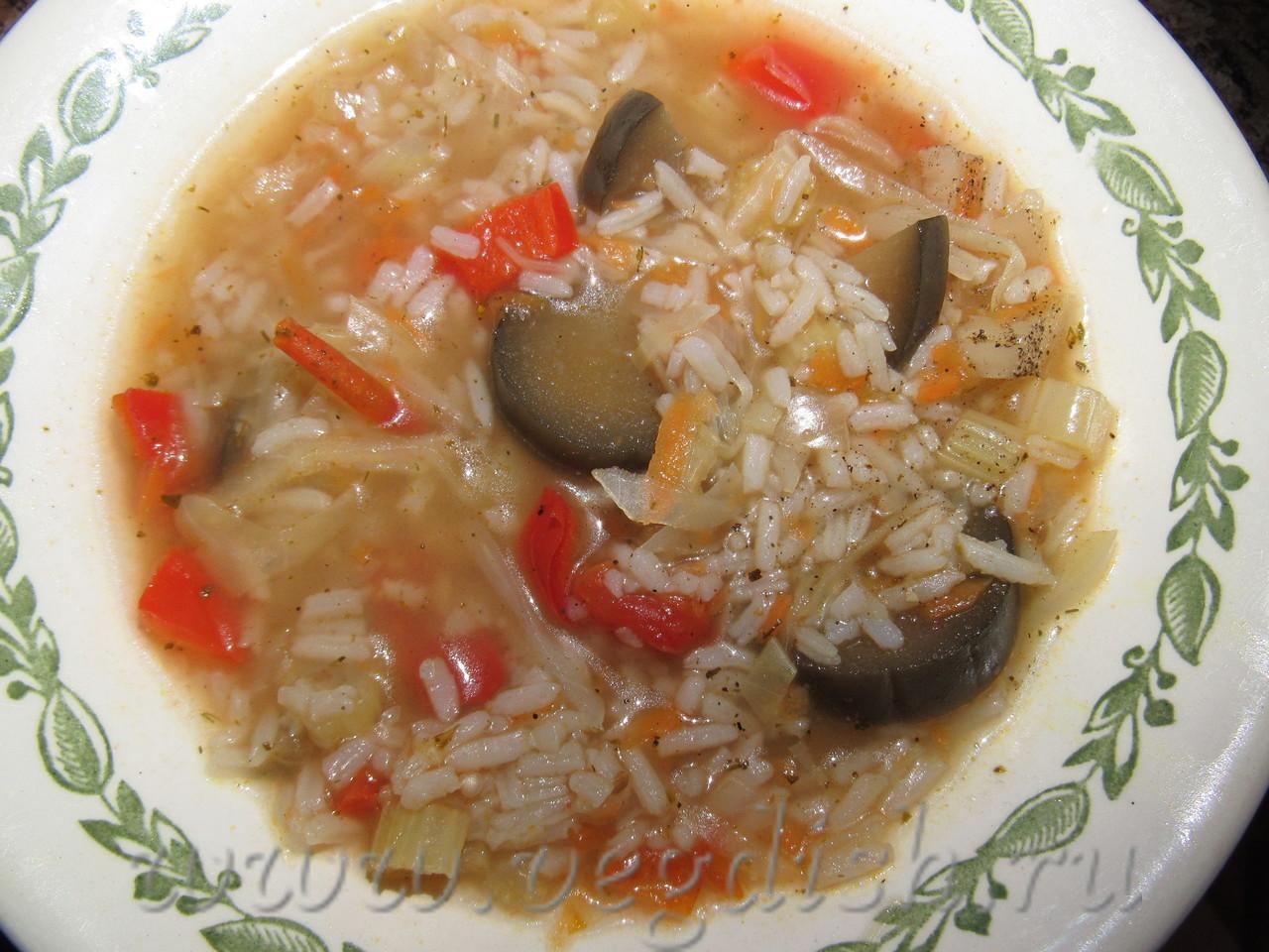 Рисовый суп с сельдереем и баклажаном