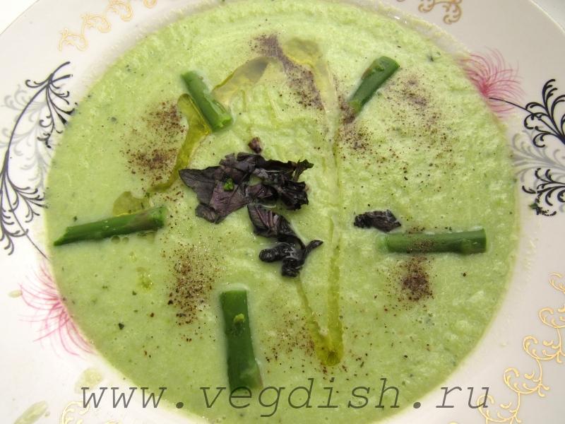 Суп пюре с цветной капустой и спаржей