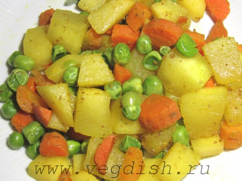 Тушеная репа с овощами