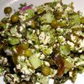Вегетарианский омлет с брокколи и морской капустой