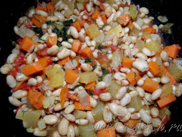 Овощи с фасолью и перловкой
