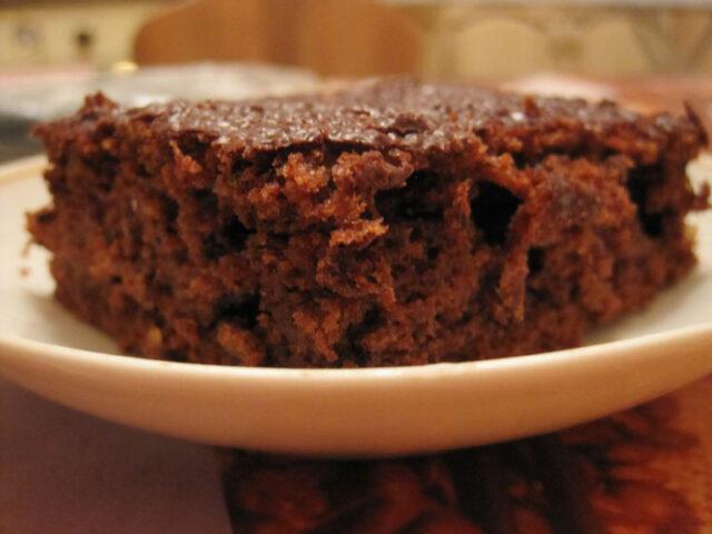 Шоколадно-банановый пирог без яиц