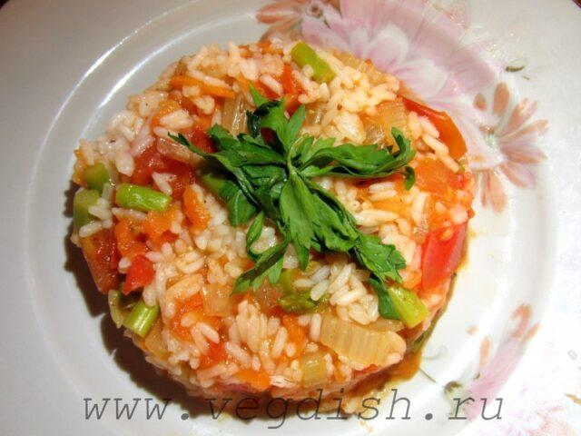 Рис со спаржей и сельдереем